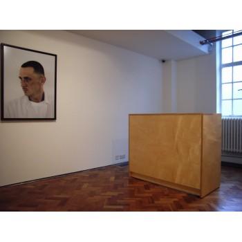 Art gallery furniture